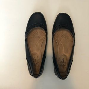 Life Stride Soft System Navy Blue Driving Flats